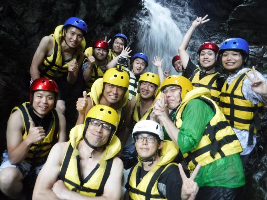 ニジマスの滝